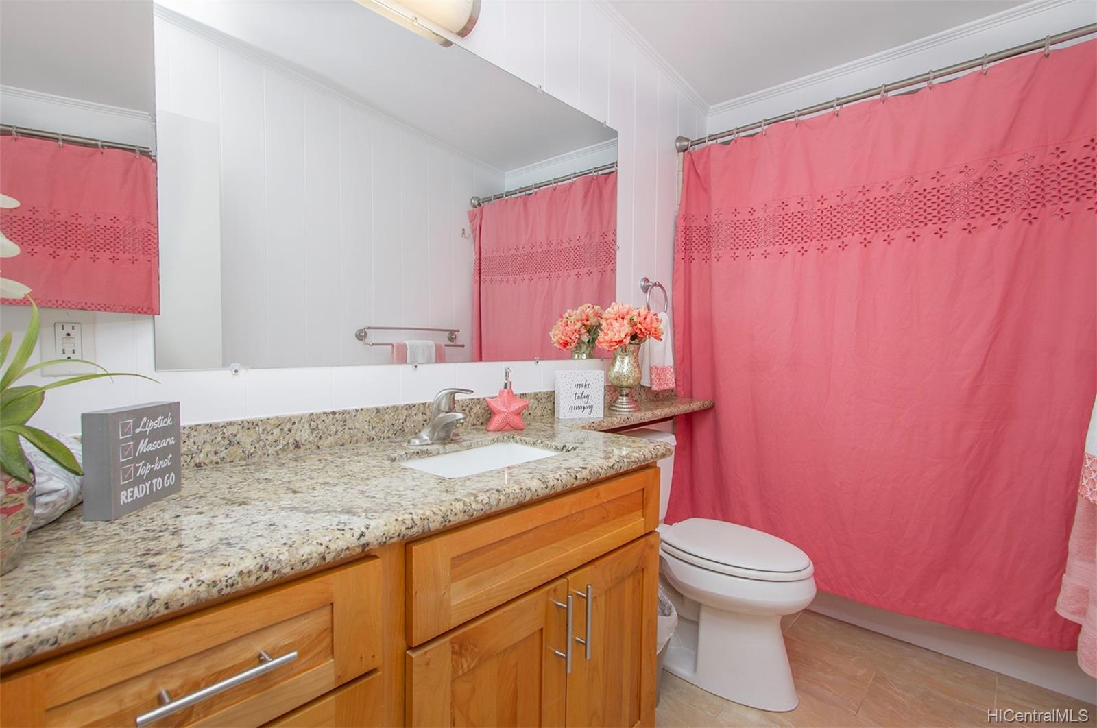 2323  Amoomoo Street Pacific Palisades, PearlCity home - photo 12 of 17