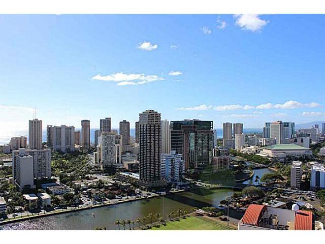 Marco Polo Apts condo # 3317, Honolulu, Hawaii - photo 3 of 10
