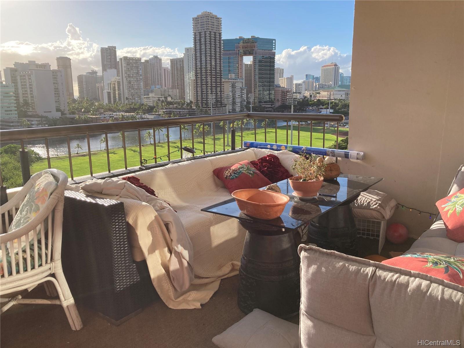 Marco Polo Apts condo # 1008, Honolulu, Hawaii - photo 16 of 25