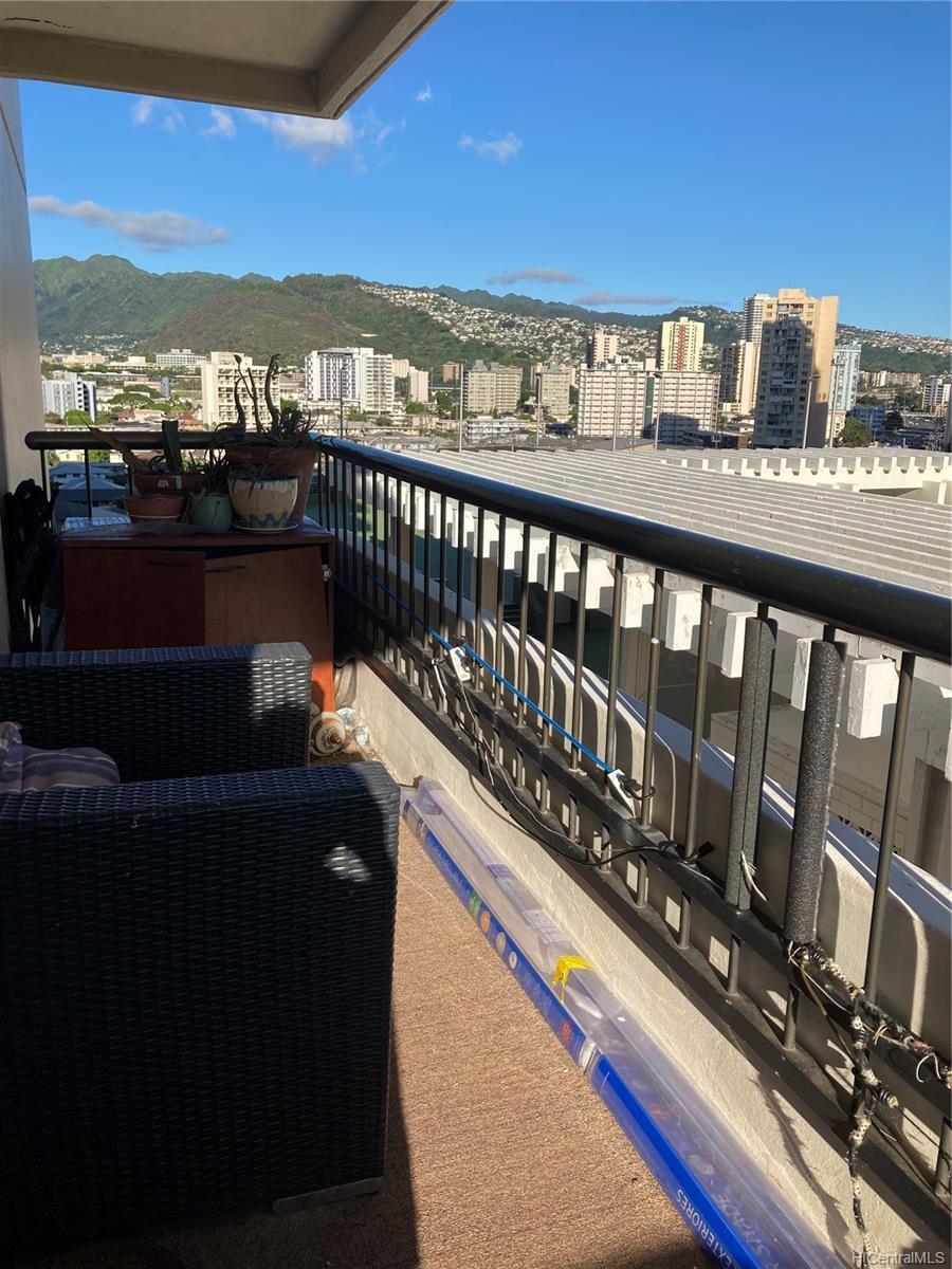 Marco Polo Apts condo # 1008, Honolulu, Hawaii - photo 5 of 25