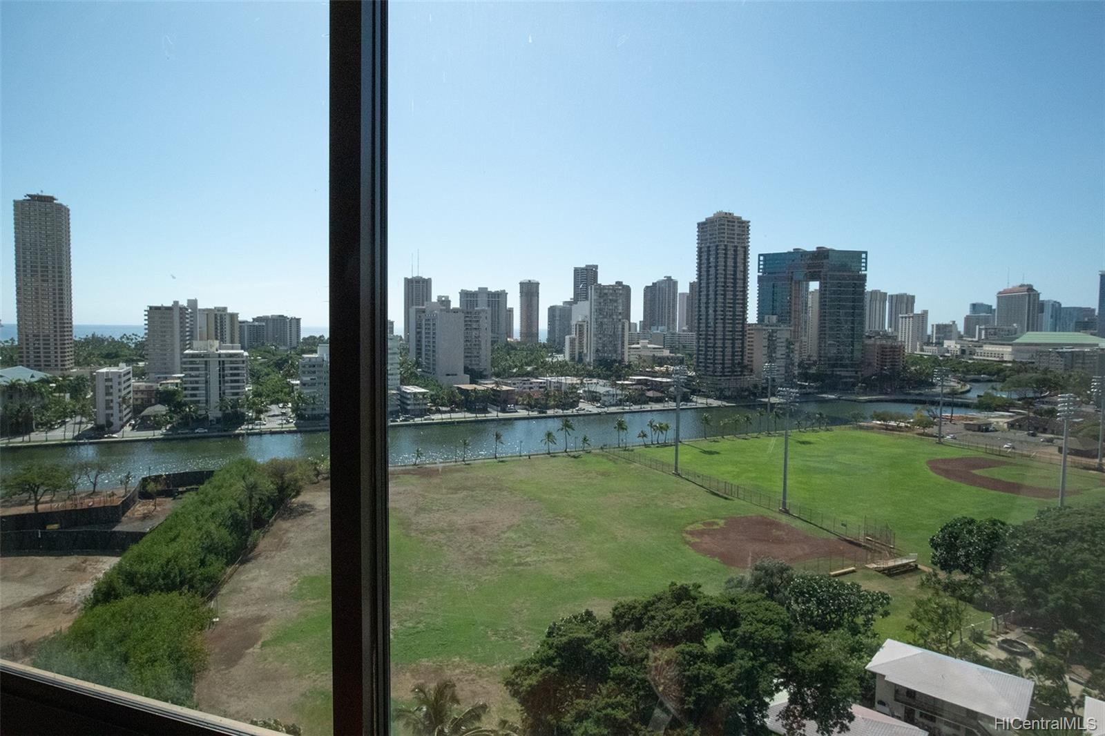 Marco Polo Apts condo # 1512, Honolulu, Hawaii - photo 9 of 13