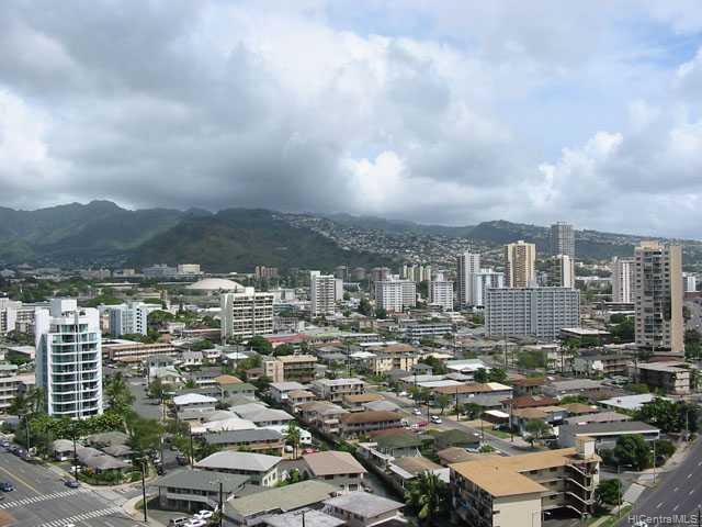 Marco Polo Apts condo # 1704, Honolulu, Hawaii - photo 3 of 10