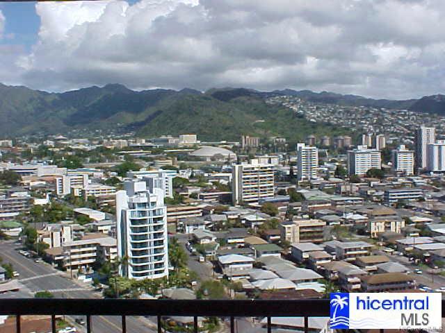 Marco Polo Apts condo # 2003, Honolulu, Hawaii - photo 4 of 8