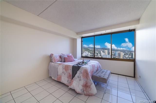 Marco Polo Apts condo # 2204, Honolulu, Hawaii - photo 5 of 20