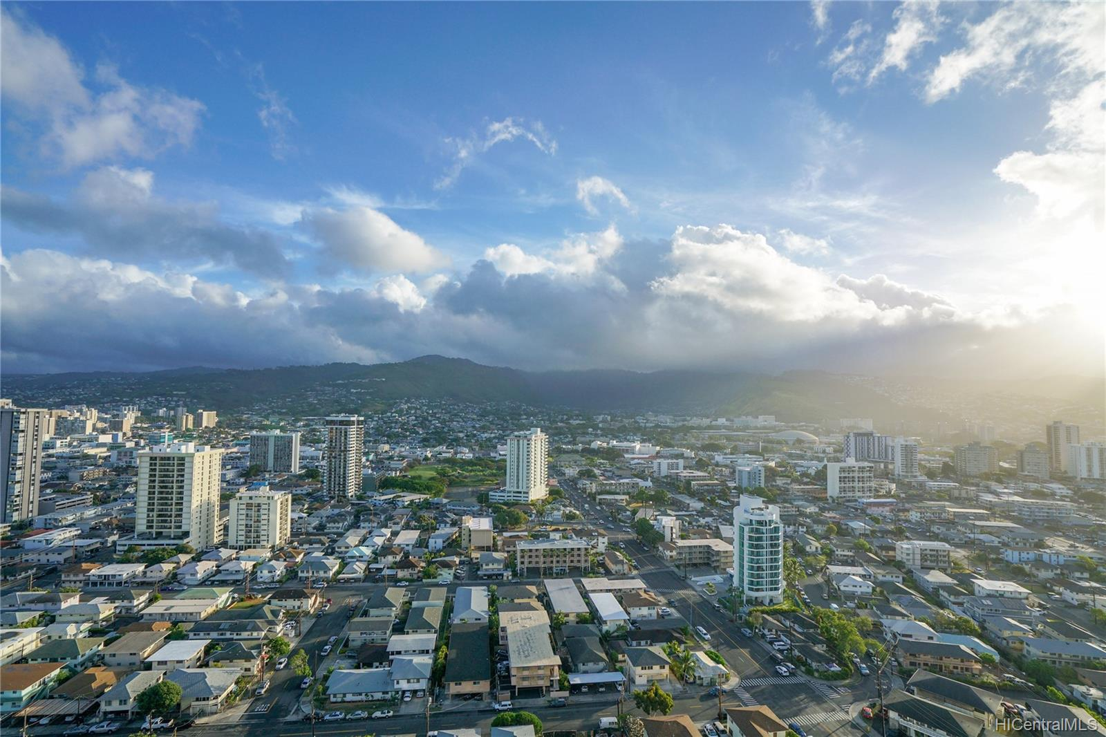 Marco Polo Apts condo # 2701, Honolulu, Hawaii - photo 15 of 25