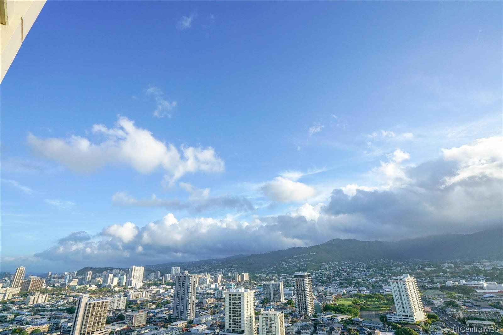 Marco Polo Apts condo # 2701, Honolulu, Hawaii - photo 16 of 25