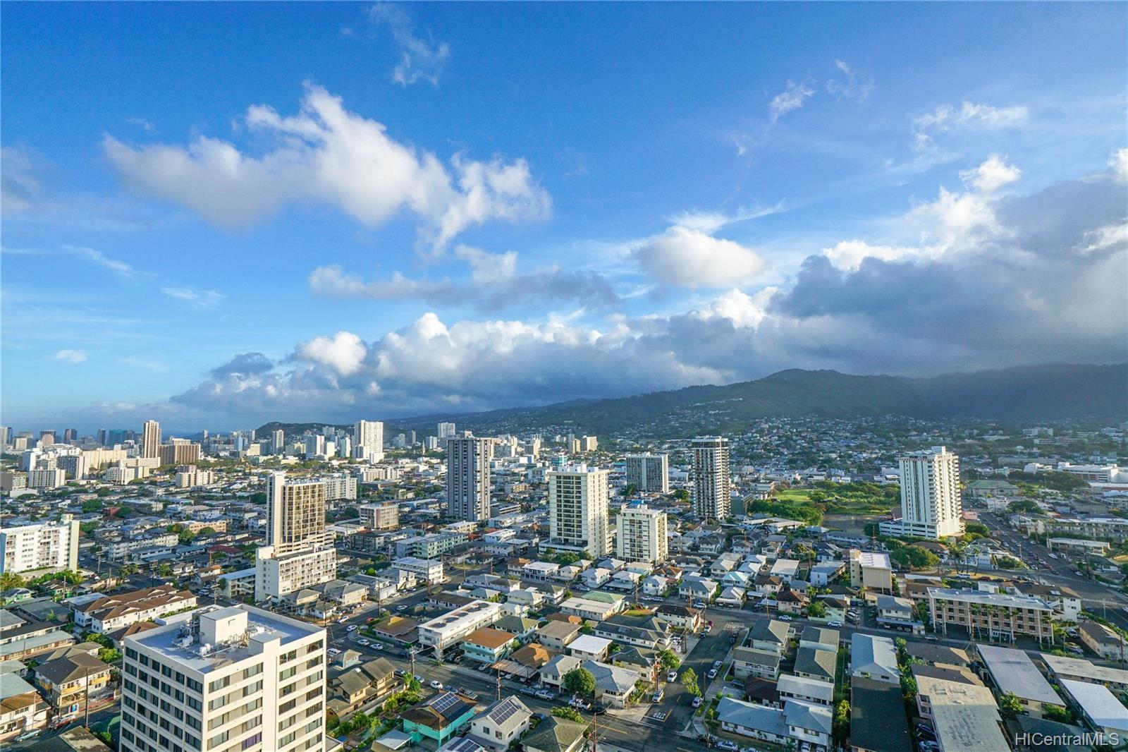Marco Polo Apts condo # 2701, Honolulu, Hawaii - photo 5 of 25