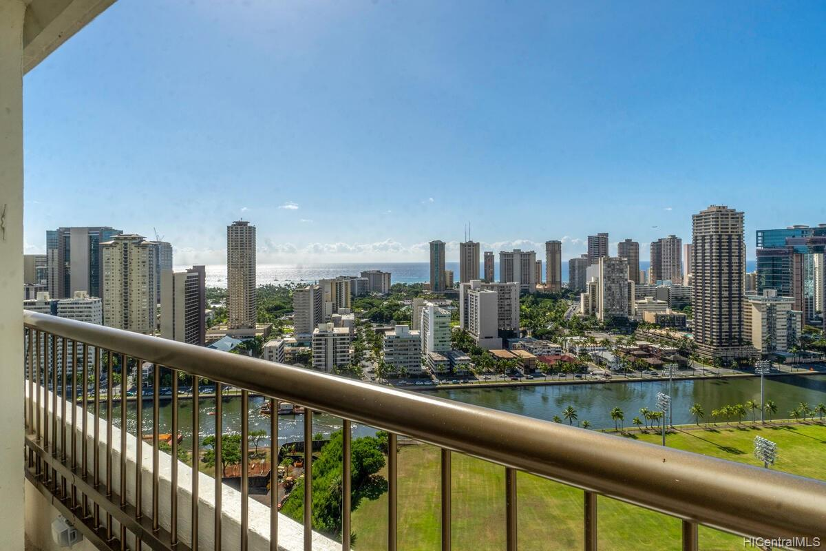 Marco Polo Apts condo # 2813, Honolulu, Hawaii - photo 10 of 25