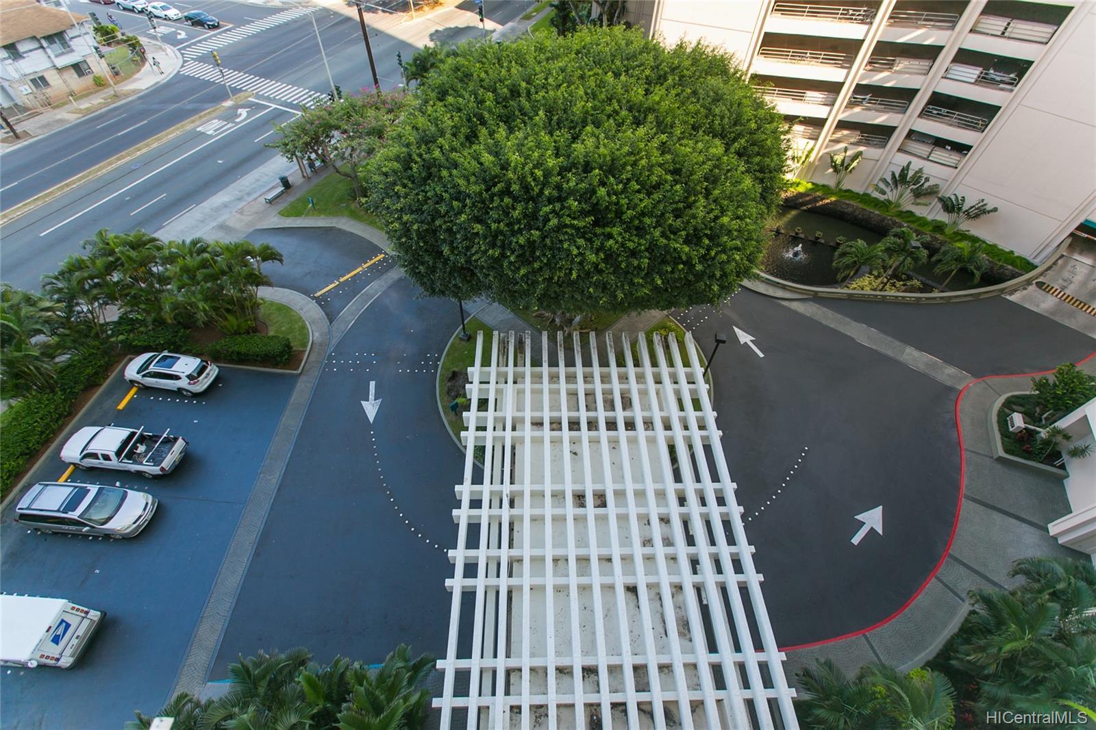 Marco Polo Apts condo # 3013, Honolulu, Hawaii - photo 21 of 23