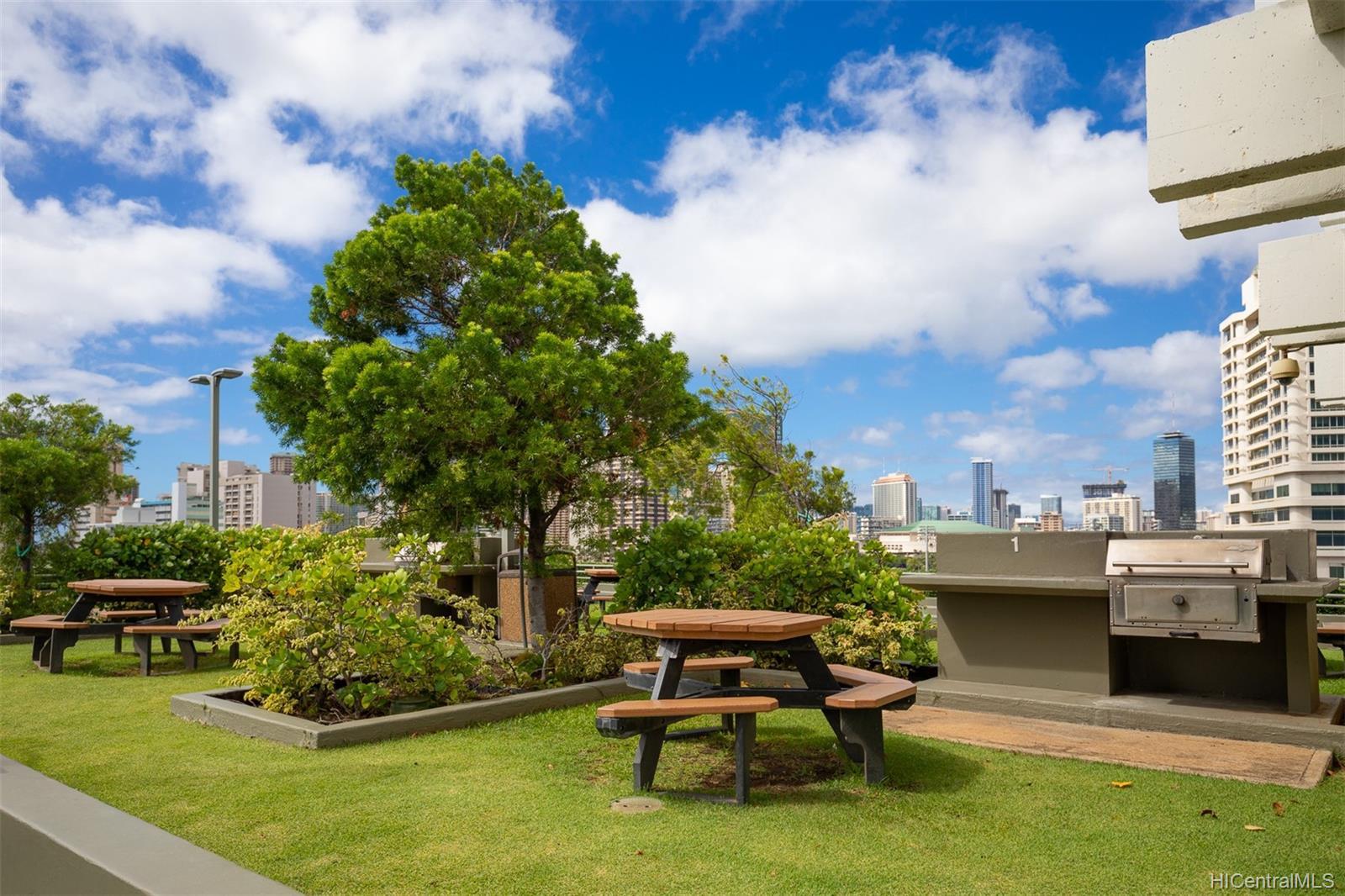 Marco Polo Apts condo # 3208, Honolulu, Hawaii - photo 18 of 24