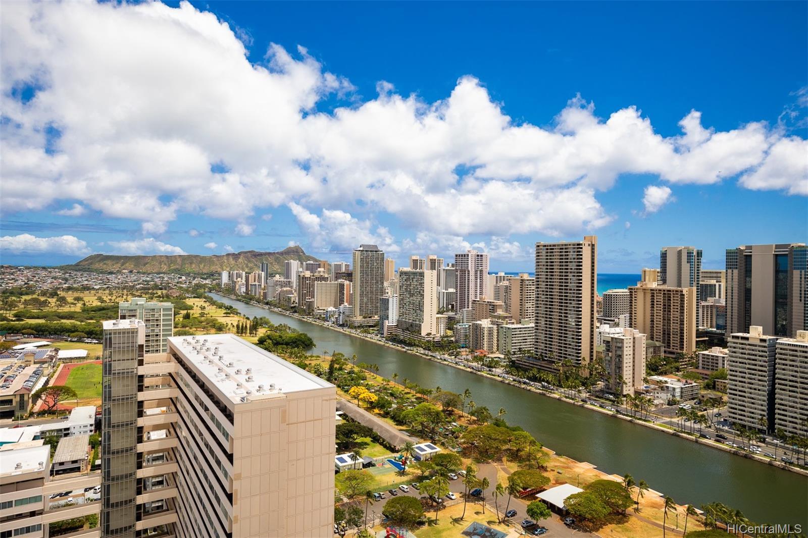 Marco Polo Apts condo # 3208, Honolulu, Hawaii - photo 6 of 24