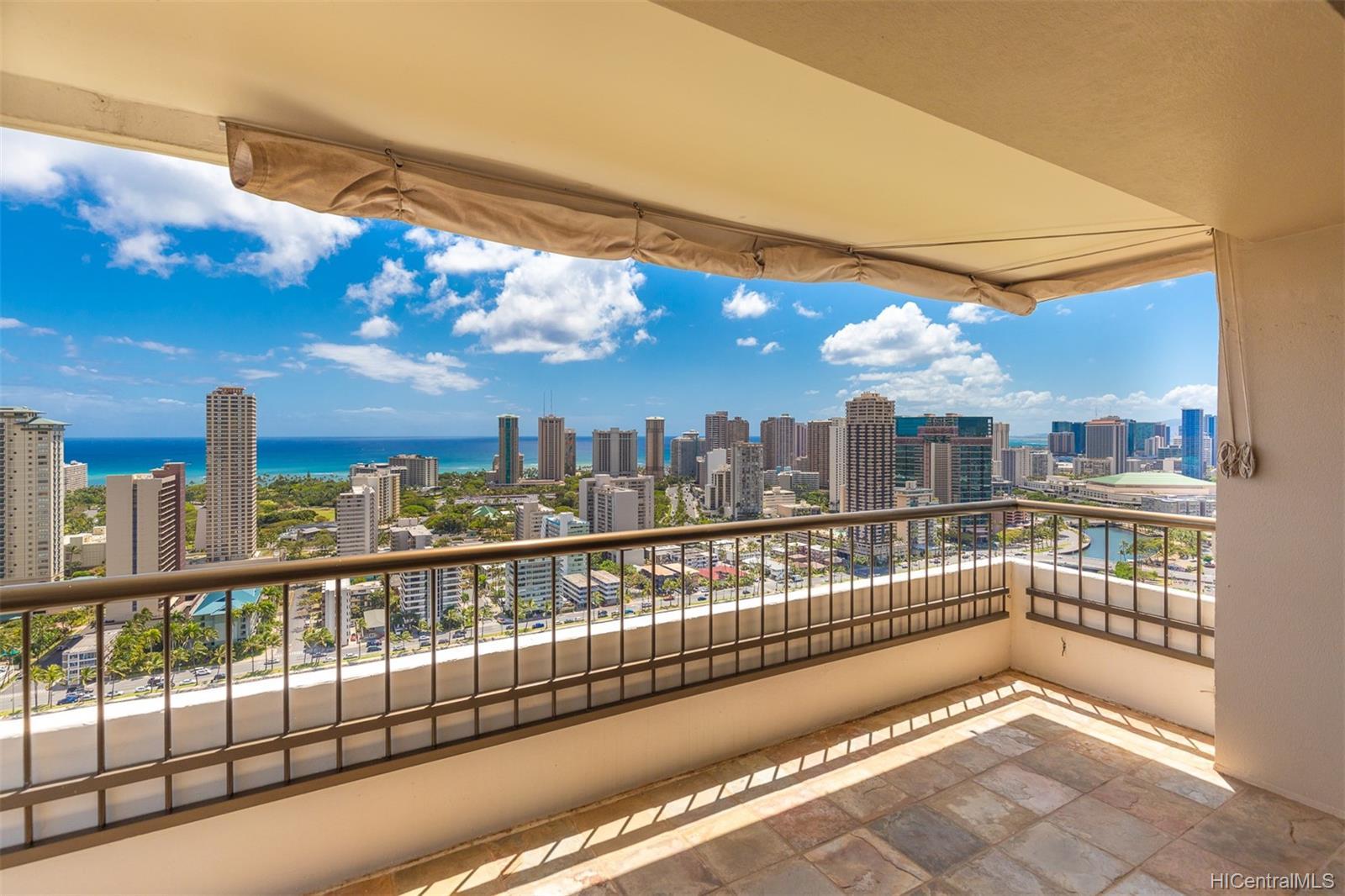 Marco Polo Apts condo # 3208, Honolulu, Hawaii - photo 7 of 24