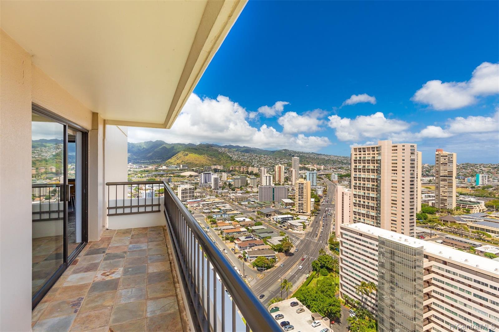 Marco Polo Apts condo # 3208, Honolulu, Hawaii - photo 8 of 24