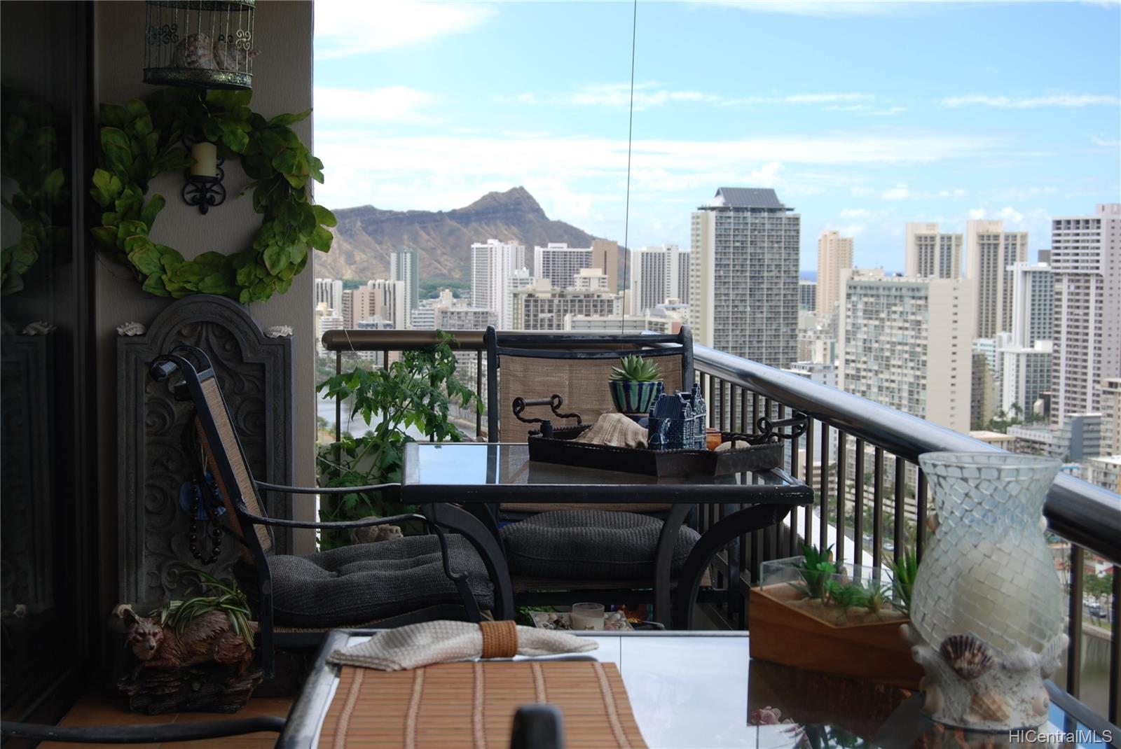 Marco Polo Apts condo # 3310, Honolulu, Hawaii - photo 4 of 25