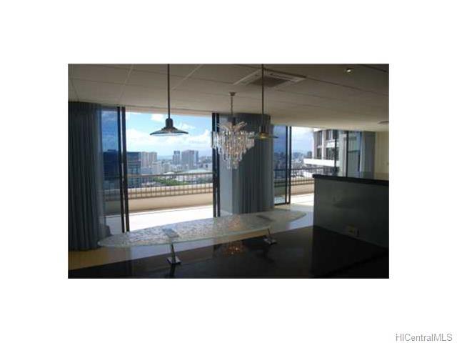 Marco Polo Apts condo # Penthouse 3512, Honolulu, Hawaii - photo 3 of 8