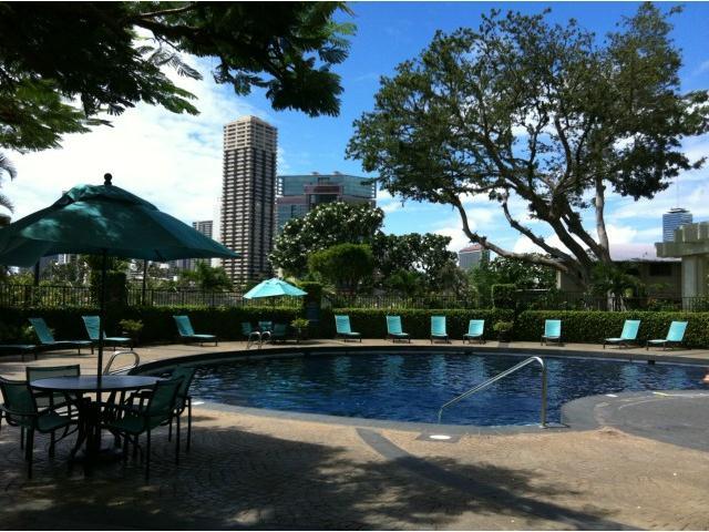 Marco Polo Apts condo #404, Honolulu, Hawaii - photo 1 of 9