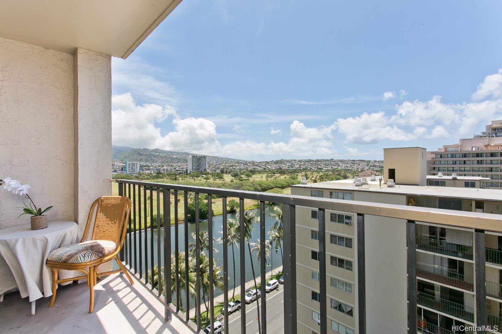 Fairway Villa condo # 1415, Honolulu, Hawaii - photo 3 of 11