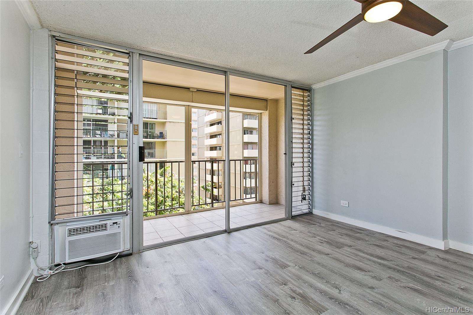 Fairway Villa condo # 715, Honolulu, Hawaii - photo 3 of 13