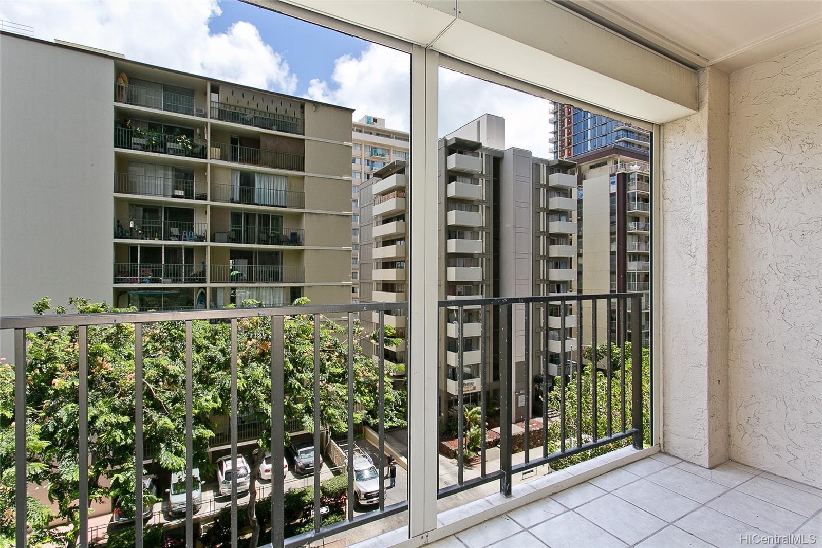 Fairway Villa condo # 715, Honolulu, Hawaii - photo 10 of 13