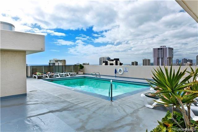 Fairway Villa condo # 908, Honolulu, Hawaii - photo 4 of 17