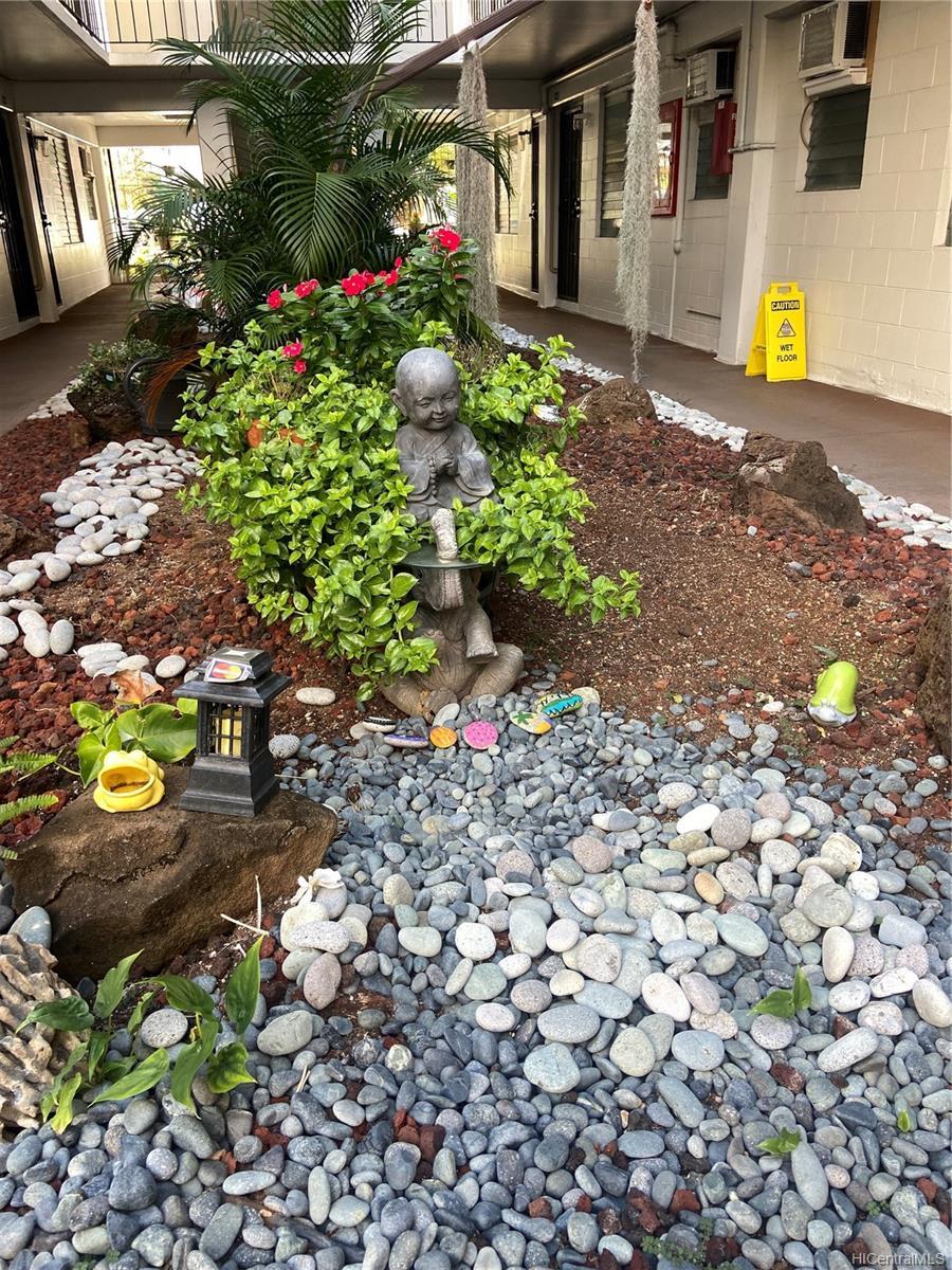 Kon Tiki Hotel Annex condo # 327, Honolulu, Hawaii - photo 3 of 9