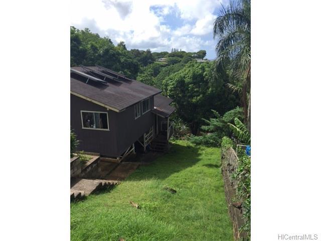 2359 Kaululaau St Papakolea, Honolulu home - photo 1 of 4