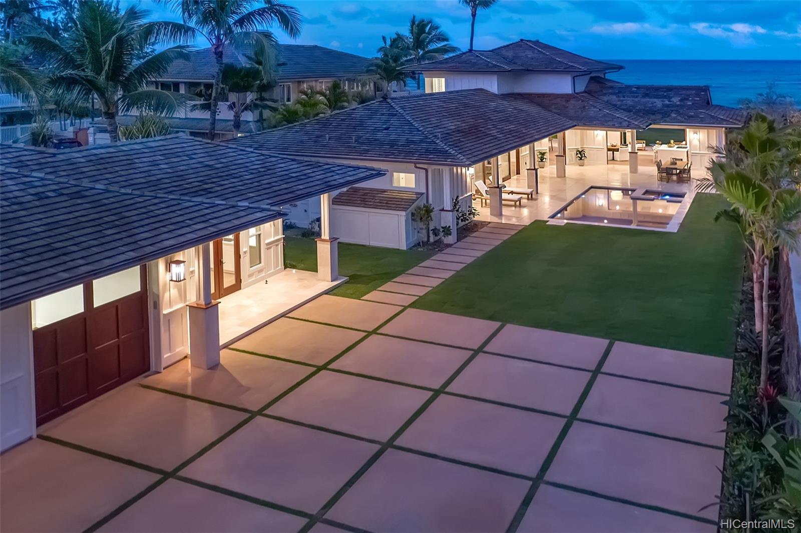 24  Kaiholu Place Beachside, Kailua home - photo 4 of 17