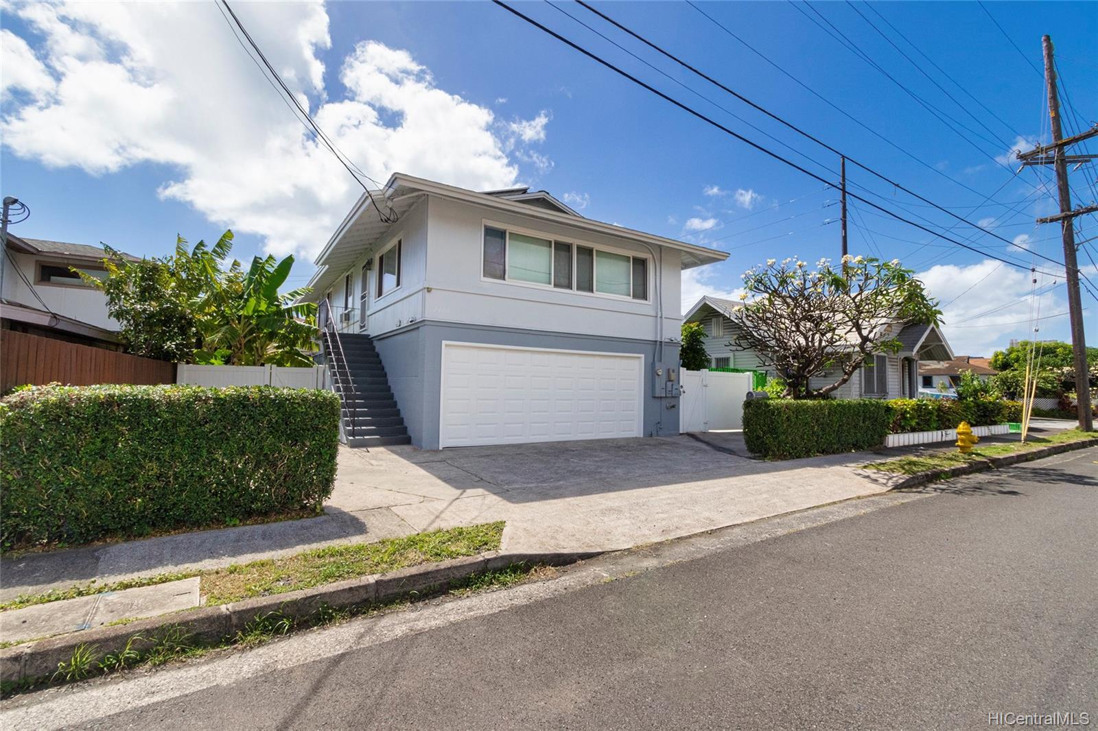 2409  Bingham Street Moiliili, Honolulu home - photo 1 of 25