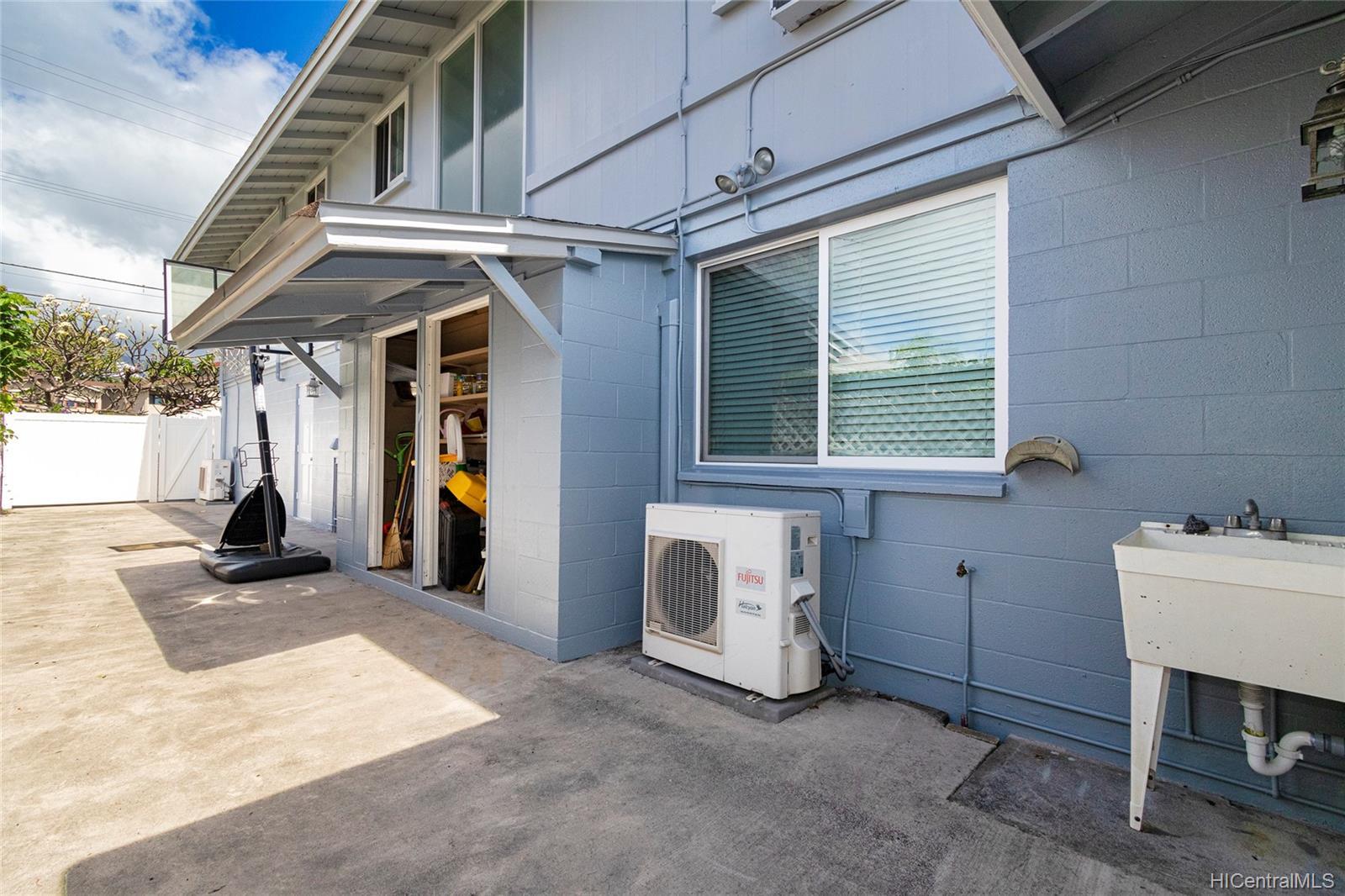 2409  Bingham Street Moiliili, Honolulu home - photo 21 of 25