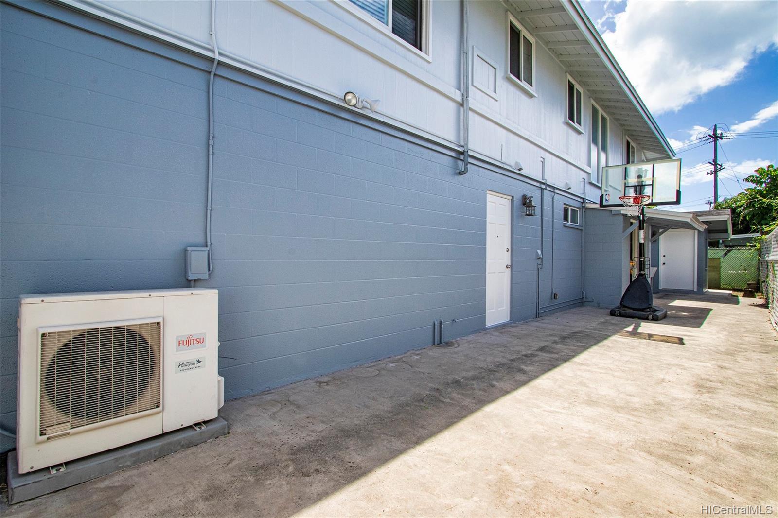 2409  Bingham Street Moiliili, Honolulu home - photo 22 of 25