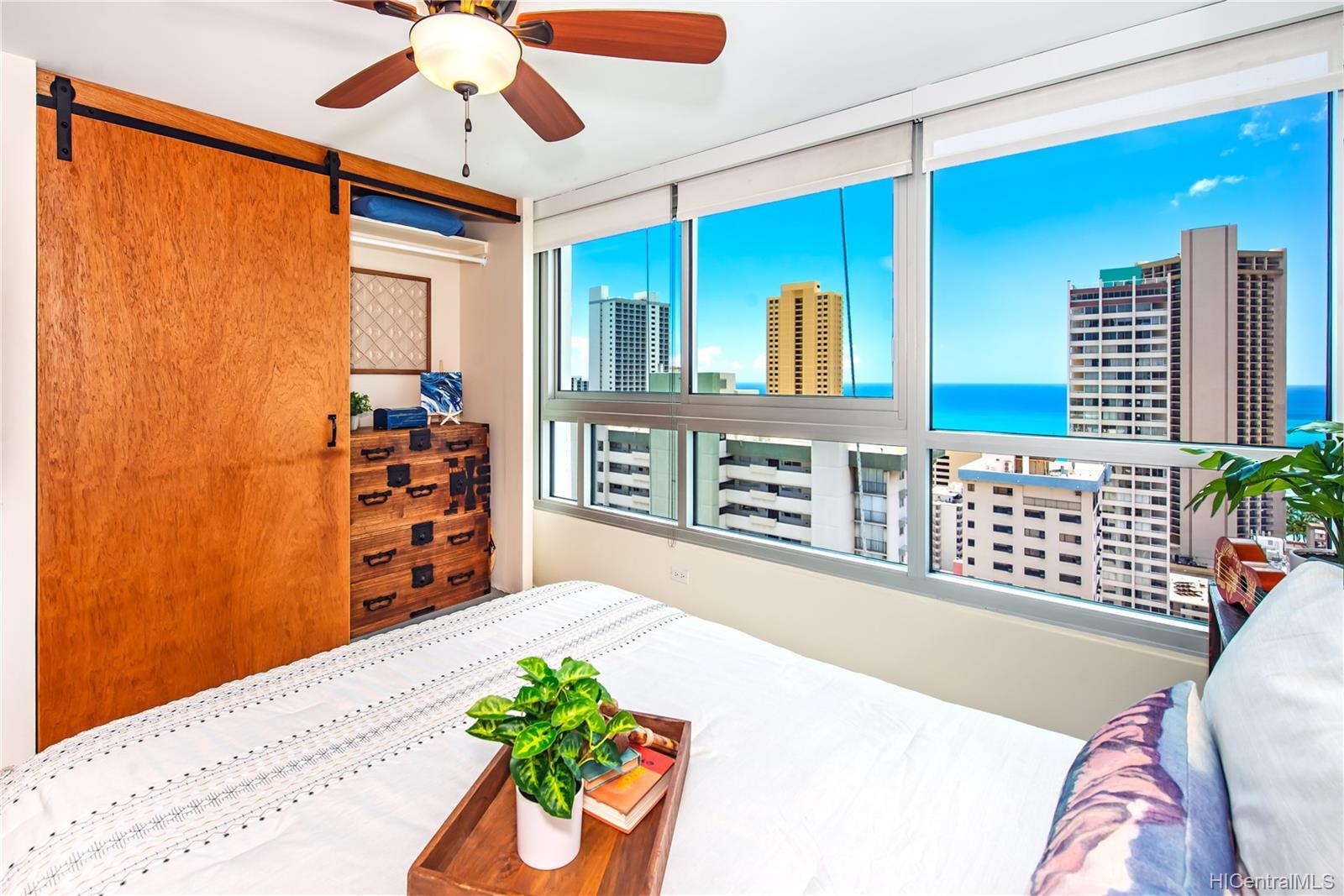 Waikiki Townhouse condo # 2701, Honolulu, Hawaii - photo 16 of 21