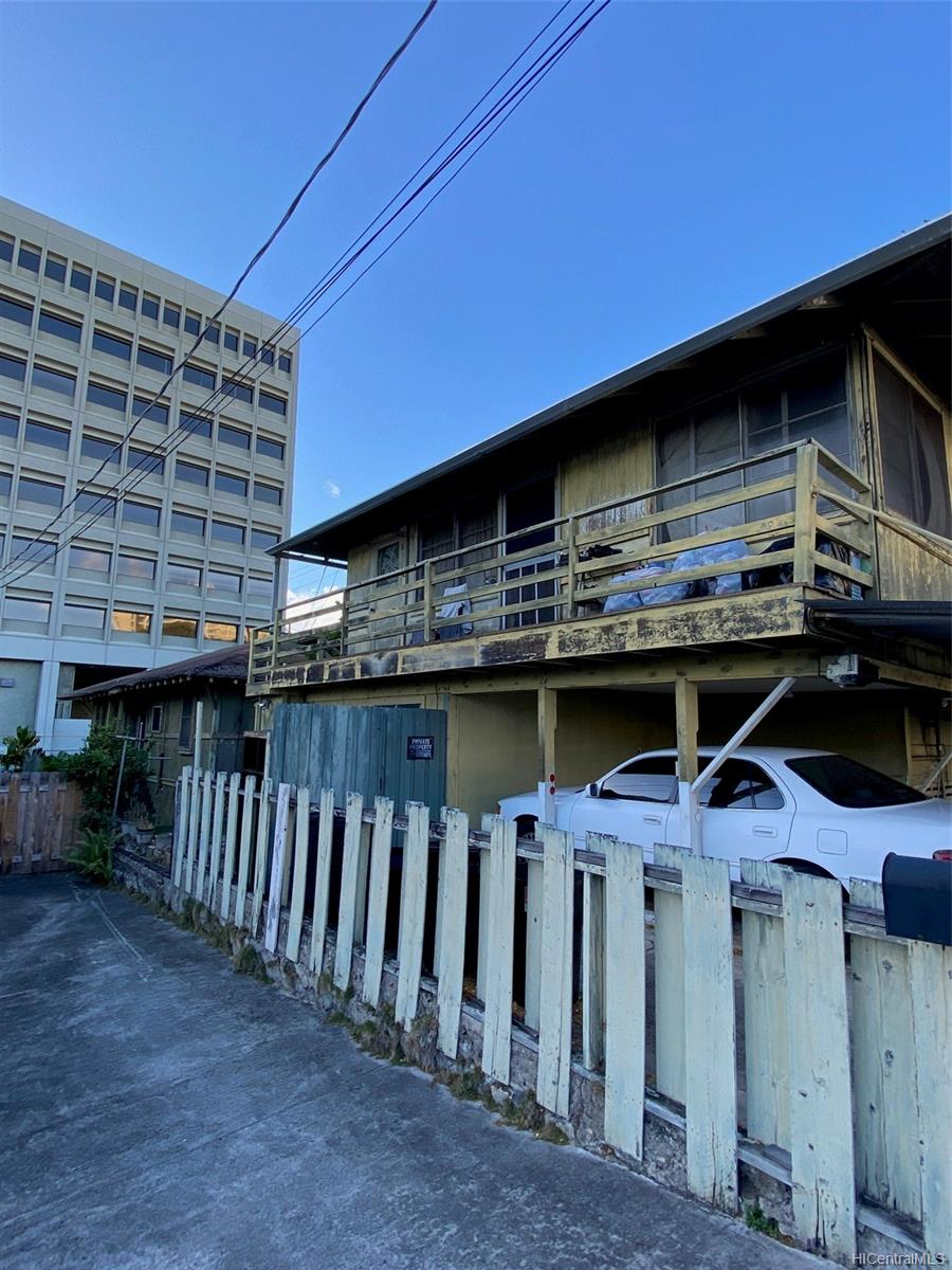 245 Kuakini Street Honolulu - Multi-family - photo 3 of 6