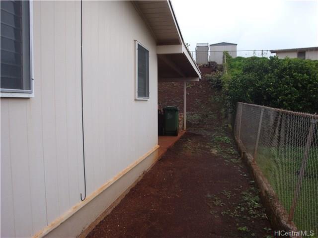 2497  Aumakua St Pacific Palisades, PearlCity home - photo 7 of 10