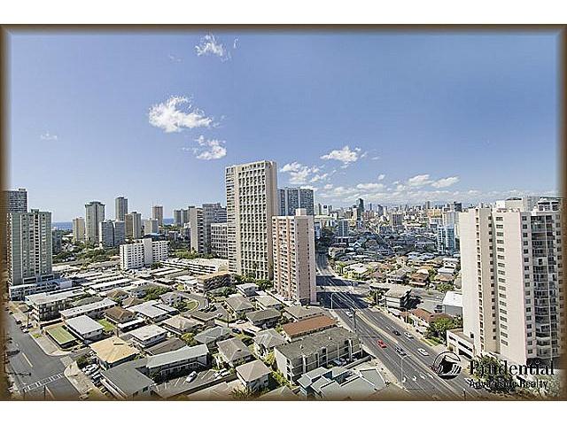 Iolani Court Plaza condo #2206, Honolulu, Hawaii - photo 1 of 20
