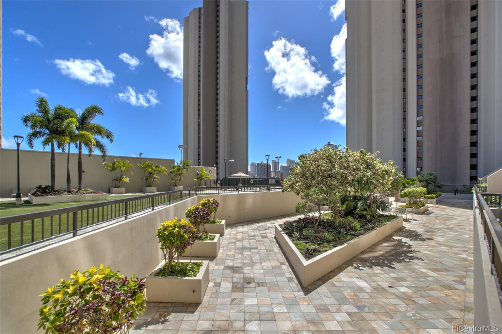 Iolani Court Plaza condo # 2602, Honolulu, Hawaii - photo 17 of 24