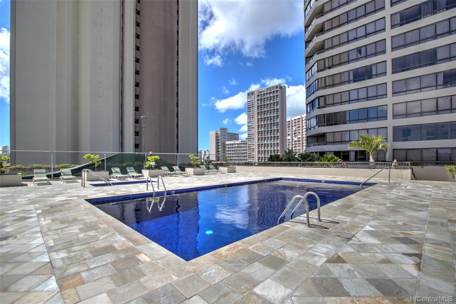 Iolani Court Plaza condo # 2602, Honolulu, Hawaii - photo 20 of 24