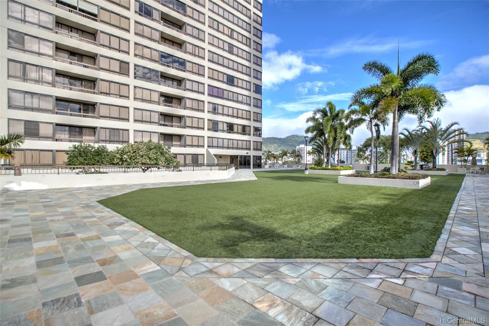 Iolani Court Plaza condo # 2602, Honolulu, Hawaii - photo 23 of 24