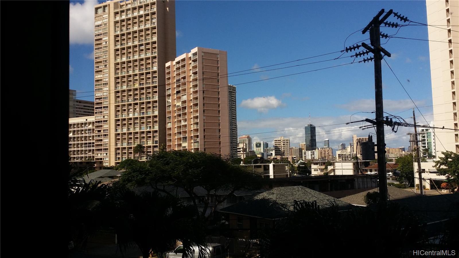 Iolani Court Plaza condo # 303, Honolulu, Hawaii - photo 6 of 15