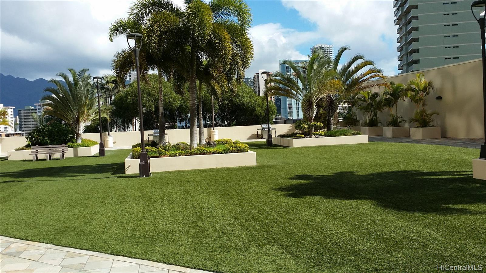 Iolani Court Plaza condo # 303, Honolulu, Hawaii - photo 8 of 15