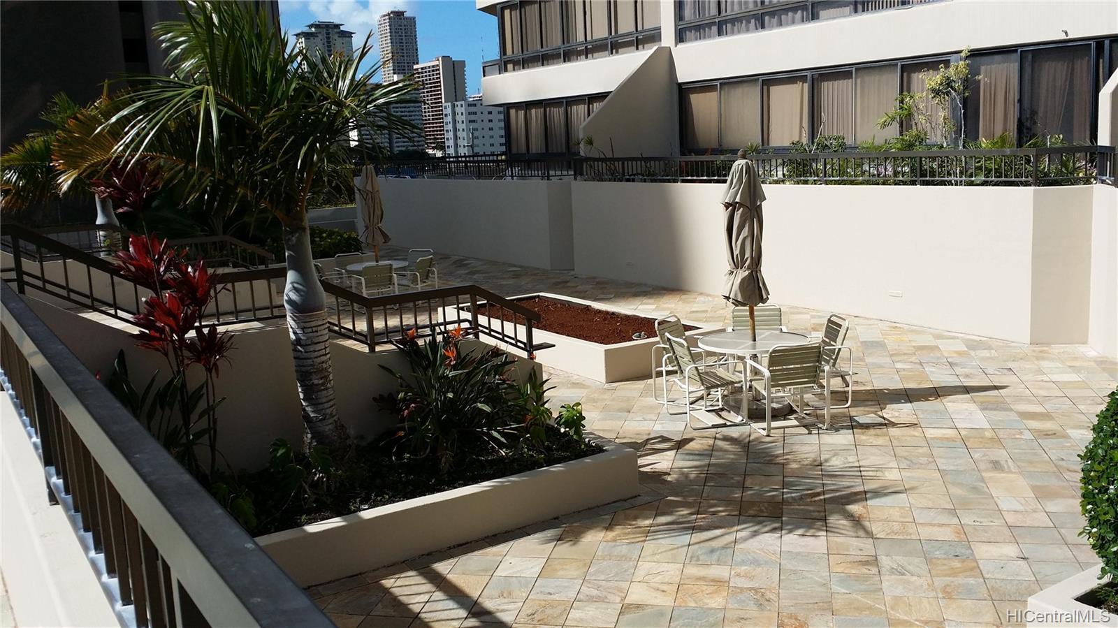 Iolani Court Plaza condo # 303, Honolulu, Hawaii - photo 10 of 15