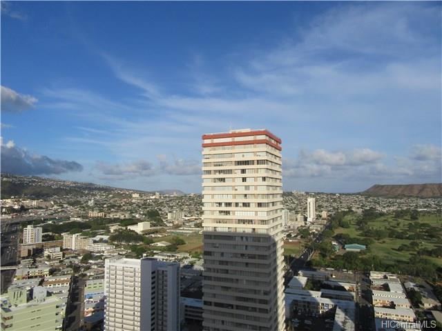 Iolani Court Plaza condo #3407, Honolulu, Hawaii - photo 1 of 21