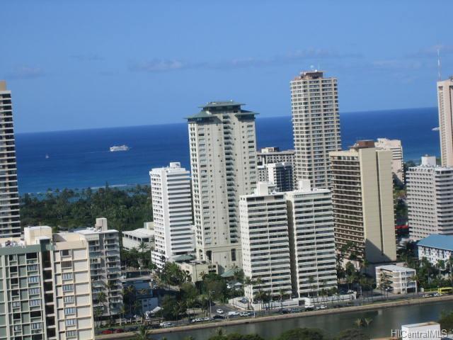 Iolani Court Plaza condo #3504, Honolulu, Hawaii - photo 1 of 16