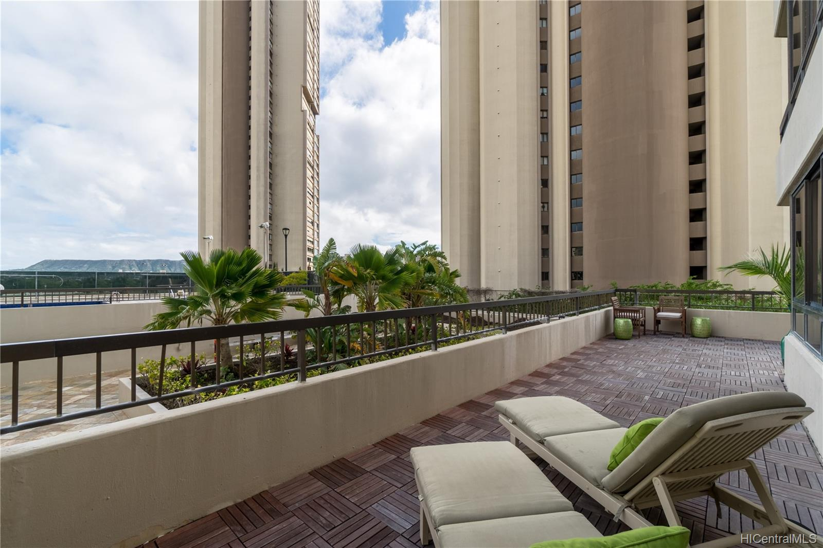 Iolani Court Plaza condo # 509, Honolulu, Hawaii - photo 19 of 25