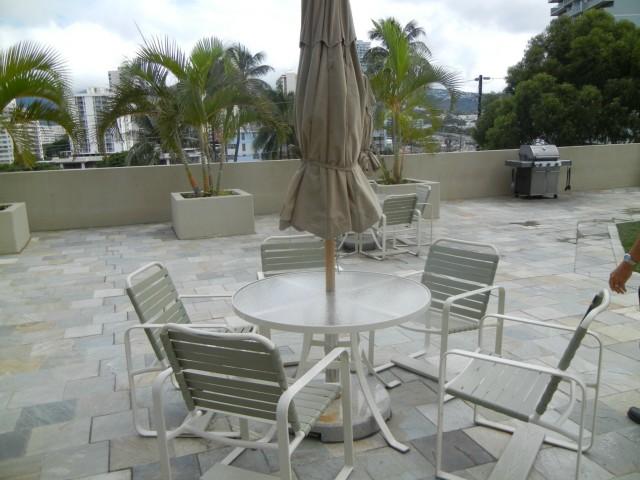 Iolani Court Plaza condo # 3700, Honolulu, Hawaii - photo 17 of 22