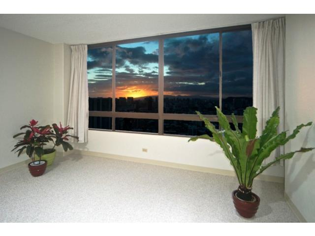 Iolani Court Plaza condo # 3802, Honolulu, Hawaii - photo 3 of 25