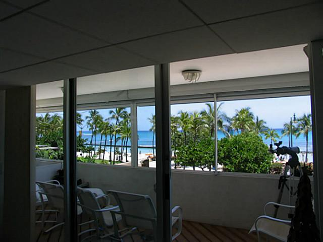 Foster Tower condo #301, Honolulu, Hawaii - photo 1 of 18