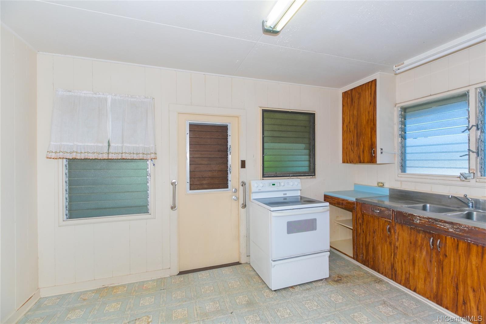 2537  Ahekolo Street Pauoa Valley, Honolulu home - photo 14 of 21