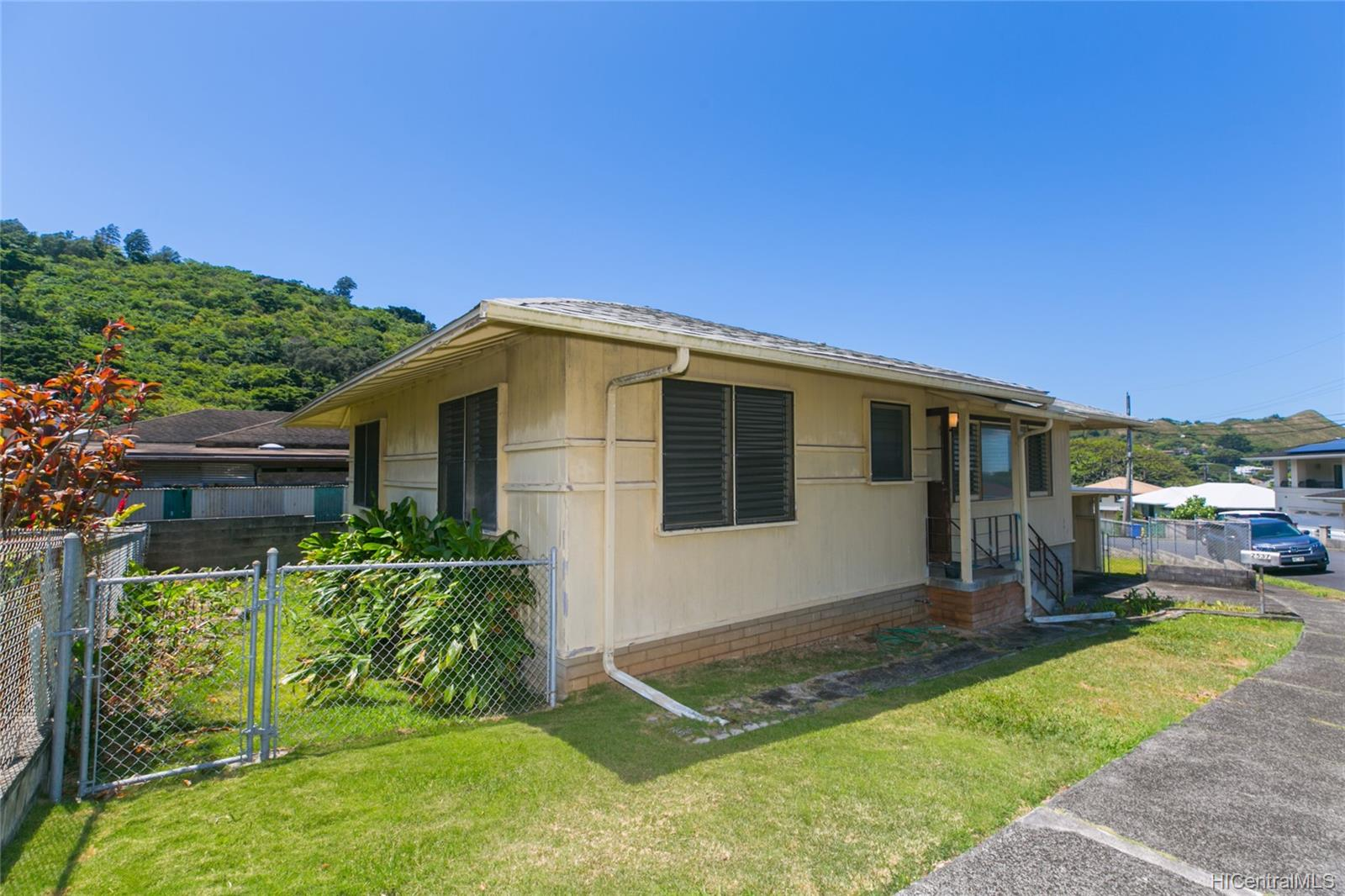 2537  Ahekolo Street Pauoa Valley, Honolulu home - photo 5 of 21