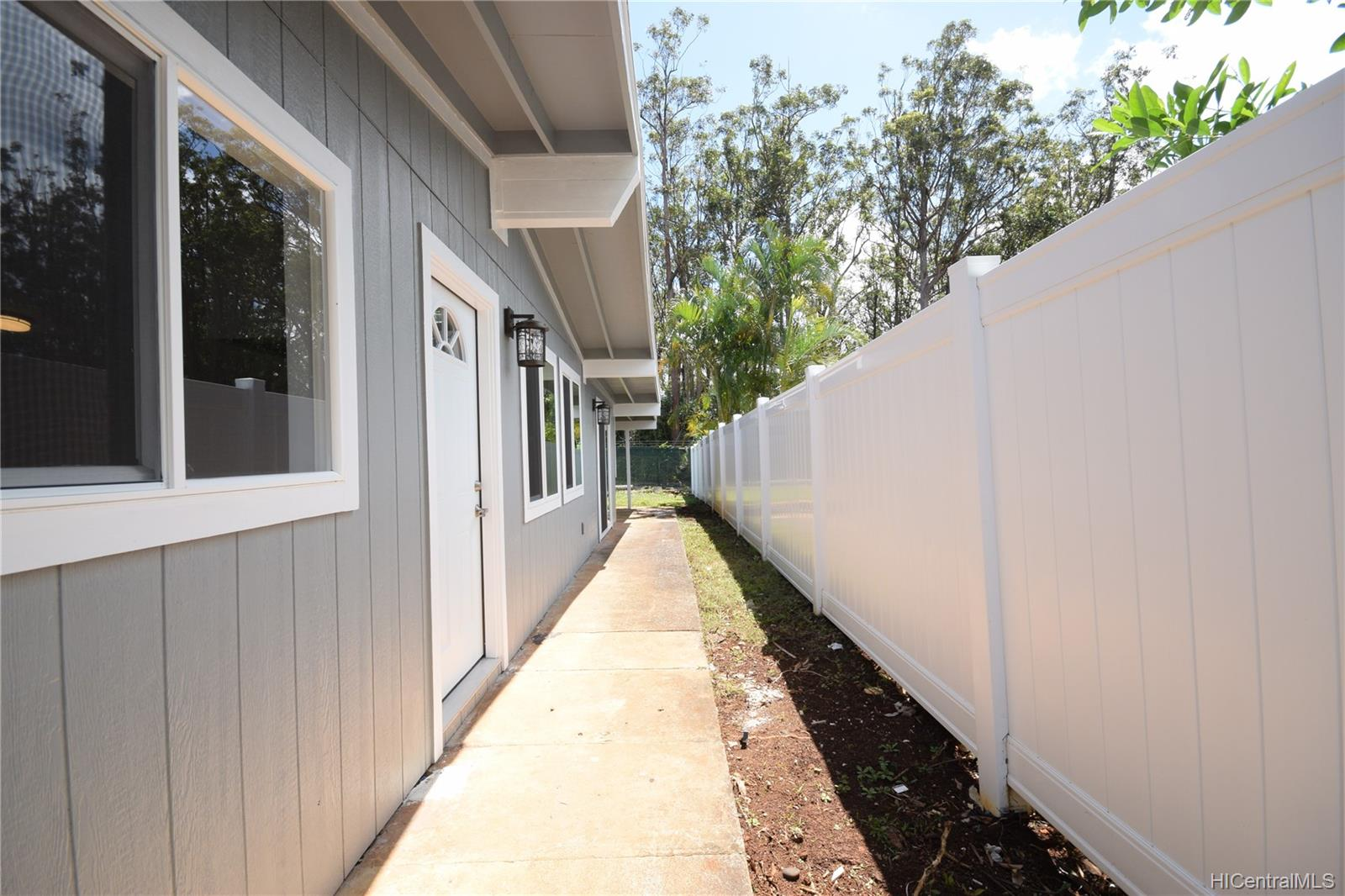 2543  California Ave Wahiawa Heights, Central home - photo 17 of 19