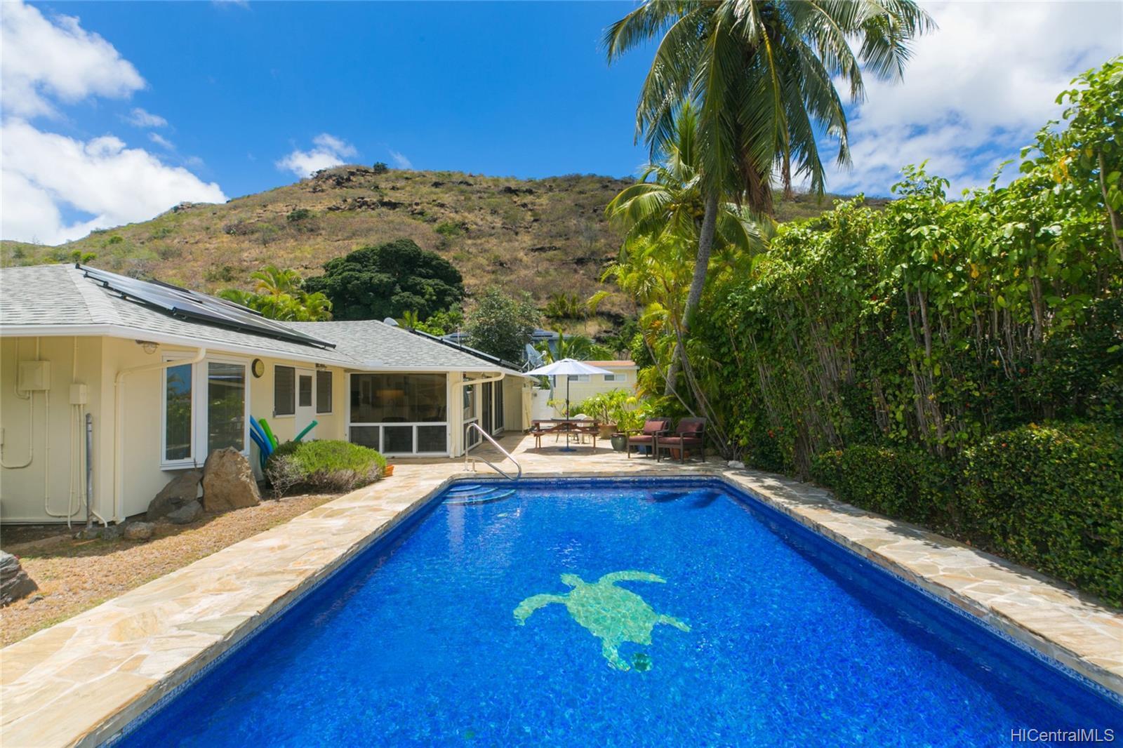 262  Panio Street Niu Valley, Diamond Head home - photo 1 of 25